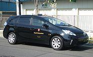 TOYOTA PRIUSα TAXI Royal Limousine Jpn 01