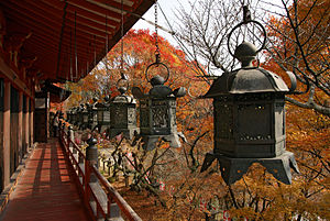 Tōrō - Hanging lanterns (tsuri-dōrō) at Tanzan Shrine