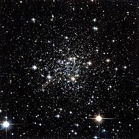 Terzan 7 Hubble WikiSky.jpg