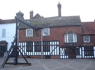 The George Hotel, Crawley - The exterior, showing the replica gallows