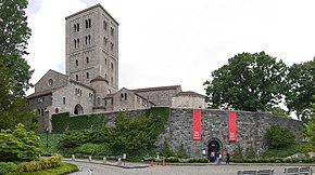 The Met Cloisters.jpg