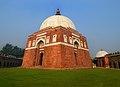 Tomb of Ghiasuddin Khan - Tughlaqabad.jpg