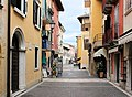 Torri del Benaco, der Corso Dante Alighieri.JPG
