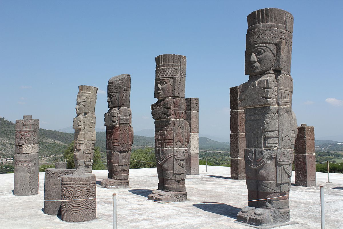 Atlantes de Tula - Wikipedia, la enciclopedia libre