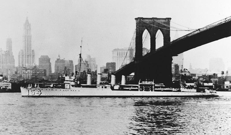 File:USS Ellis (DD-154) passing under the Brooklyn Bridge in the 1930s.jpg