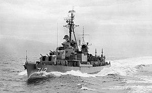 USS Gyatt (DDG-712) underway in the Caribbean Sea on 14 May 1957 (USN 1016157)