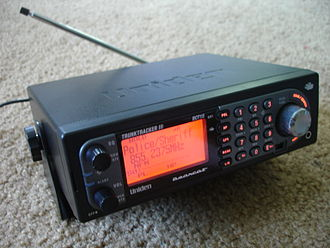 Radio scanner - A Uniden BCT-15 base/mobile trunktracking scanner