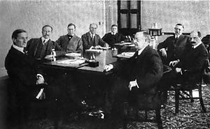 1917 photograph of the board of the Federal Re...