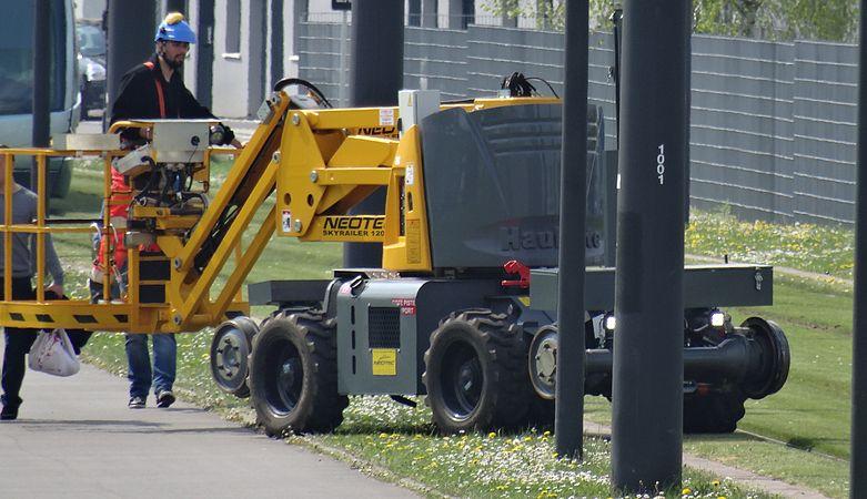 Valenciennes & Anzin - Déraillement de la rame de tramway n° 17 à la sortie du dépôt de Saint-Waast le 11 avril 2014 (075).JPG
