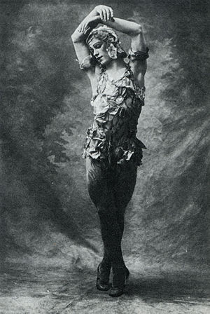 Le Spectre de la rose - Nijinsky in the rose petal costume