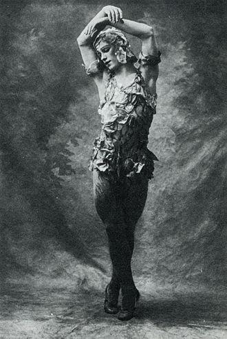 Le Spectre de la rose - Nijinsky in the rose petal costume