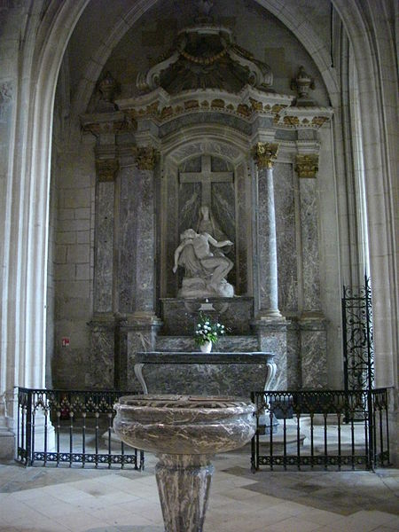 Our Lady cathedral of Verdun (Meuse, France). Baptismal fonts, altar, Pietà