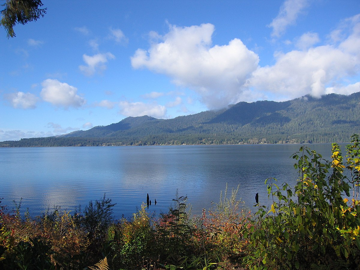 Lake Quinault - Wikipedia