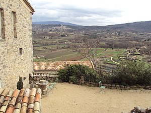 Lacoste, Vaucluse - Image: View of the valley from Lacoste, Vaucluse