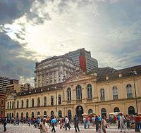 STREET VIEW : halles et marchés couverts - Page 4 200px-Vista_parcial_do_Mercado_P%C3%BAblico_de_Porto_Alegre
