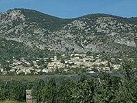 Volx, vue du village du sud-est.jpg