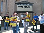 WI Union activists protest outside McCain Town Hall in Racine, July 31, 2008 (2722175709).jpg
