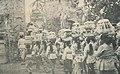 Women bringing offerings, Karya Pudja Pancha Wali Krama 1960, p16.jpg