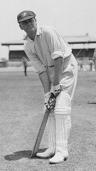 Batting (cricket) - Bill Woodfull's stance.
