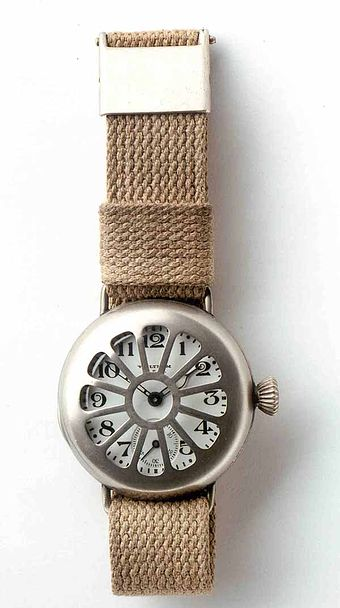 Early wrist watch by Waltham, worn by soldiers in World War I (German Clock Museum). Wrist Watch WWI.jpg