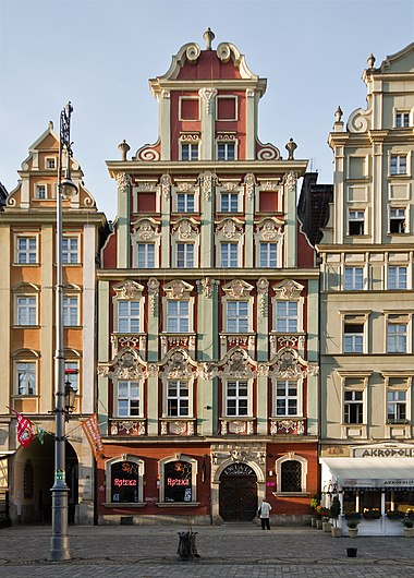 Typical Silesian baroque architecture in Wroclaw Wroclaw Rynek 18 sm.jpg