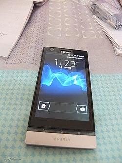 cc58079dc7b Sony Xperia P - Wikipedia, la enciclopedia libre