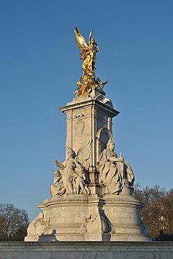 """The Victoria Memorial"" London ""Christmas day"" (15925642490).jpg"