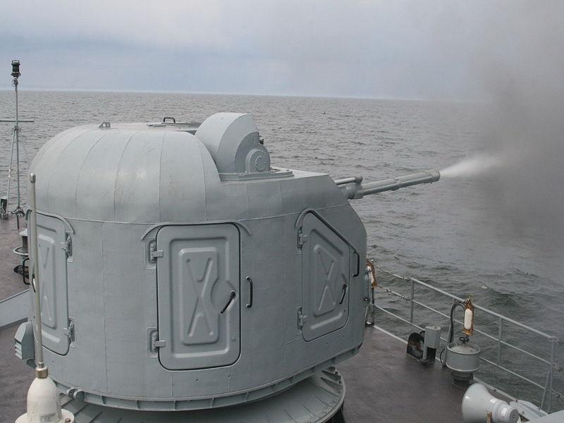 خطط البحريه الروسيه لتجهيز سفنها بالمدفع البحري AK-176 الشبحي !  800px-%C4%86wiczenia_3_Flotylli_Okr%C4%99t%C3%B3w_%2809%29