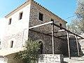 Πέτρινο χτίσμα στην Παναγία της Ροδιάς.jpg