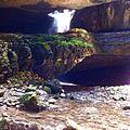 Водопад внутри ущелья.jpg