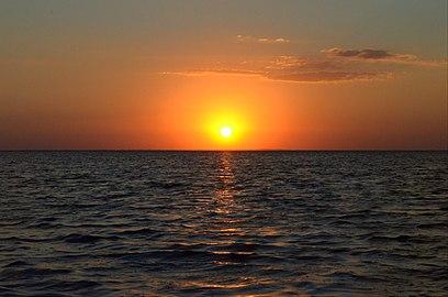 Чарівний захід сонця на лимані.jpg