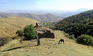 Neghuts Monastery - Image: Վանական համալիր Նեղուցի վանք (Արզականի վանք, Սբ. Աստվածածին, Նեղոց Սբ. Աստվածածին)