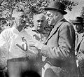 ביקור נשיא ההסתדרות הציונית חיים וייצמן משמאל ציזלינג הפטר (עם הגב) btm14271.jpeg