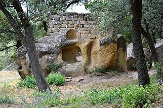 Lamanon - Grottes de Calès