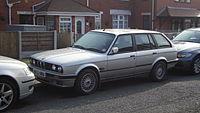 1991 BMW 325I Touring (13146069314).jpg