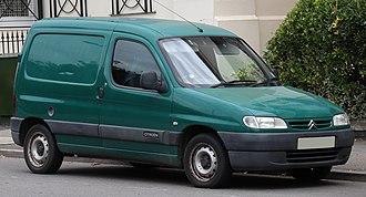 Citroën Berlingo - Image: 2000 Citroen Berlingo 1.9 Front