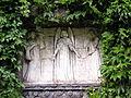 2006-08-01 Friedhof Grunewald Relief von Otto Lessing.jpg