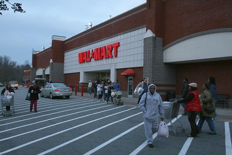 2008-08-28 Black Friday shoppers at Wal-Mart