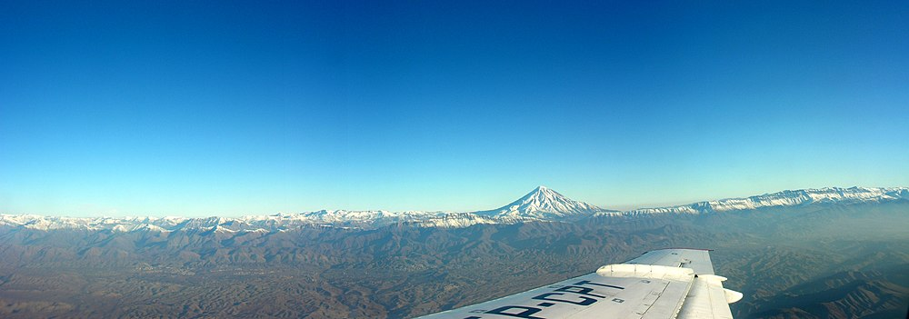 הר דמאוונד בתצלום ממטוס