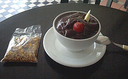 Serving of açaí juice