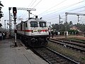 A Visakhapatnam (VSKP) WAP-7 at Bhubaneswar railway station.jpg