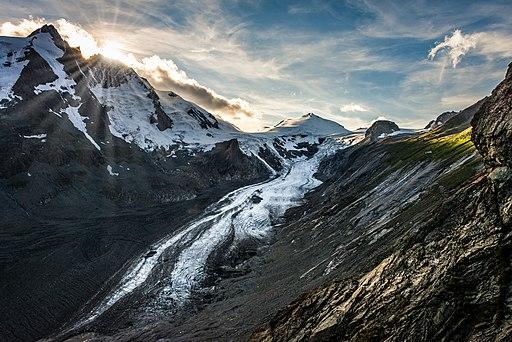 A dying glacier 14776638880 o