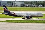 Aeroflot, VQ-BST, Airbus A320-214 (24072585931).jpg