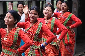 Tribal - Mising girls dancing during Ali Ai Ligang (Spring Festival) Ali-ai-ligang.jpg