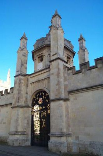 Radcliffe Square - Image: All Souls College Oxford 20040124