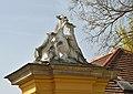 Animal sculpture on Tiergarten wall, Schönbrunn 11.jpg