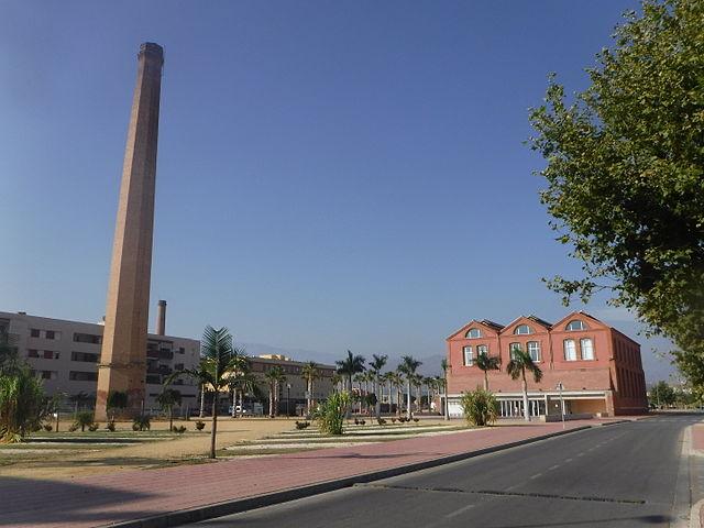 File antiguo ingenio azucarero torre del mar 01 jpg wikimedia commons for Cerrajero torre del mar