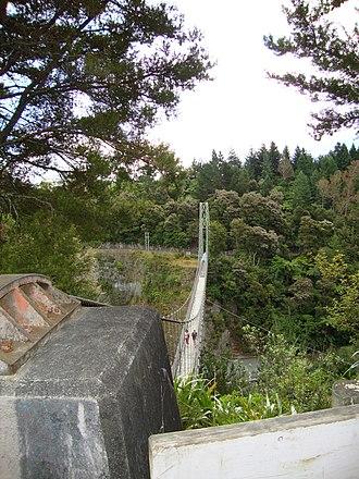 Arapuni Suspension Bridge - Image: Arapuni swing bridge