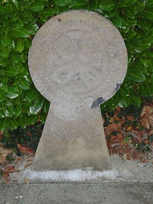 Aroue-Ithorots-Olhaïby - Hilarri in the cemetery in Aroue.