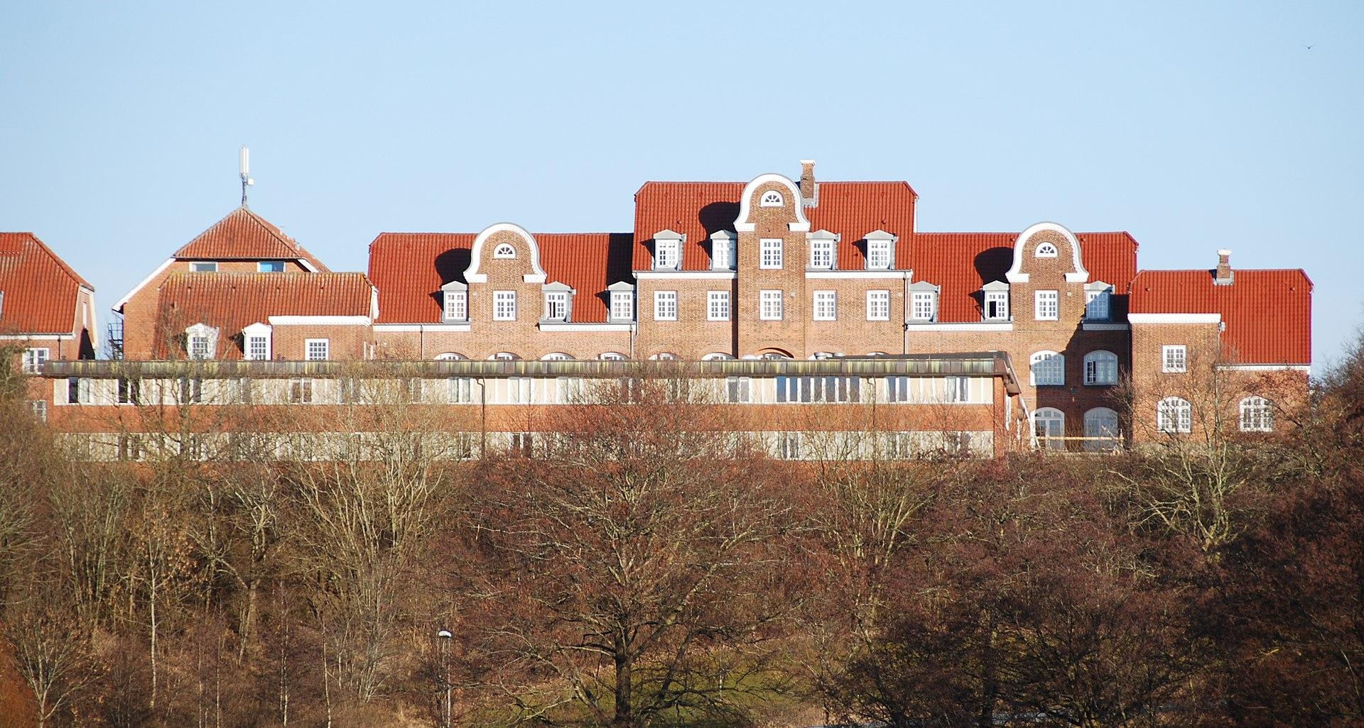 Asmildkloster Landsbrugsskole.jpg